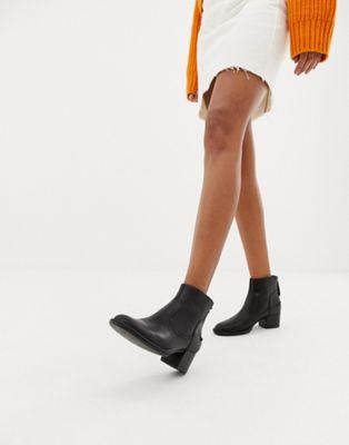 מגפי עור Ugg Bandara לנשים